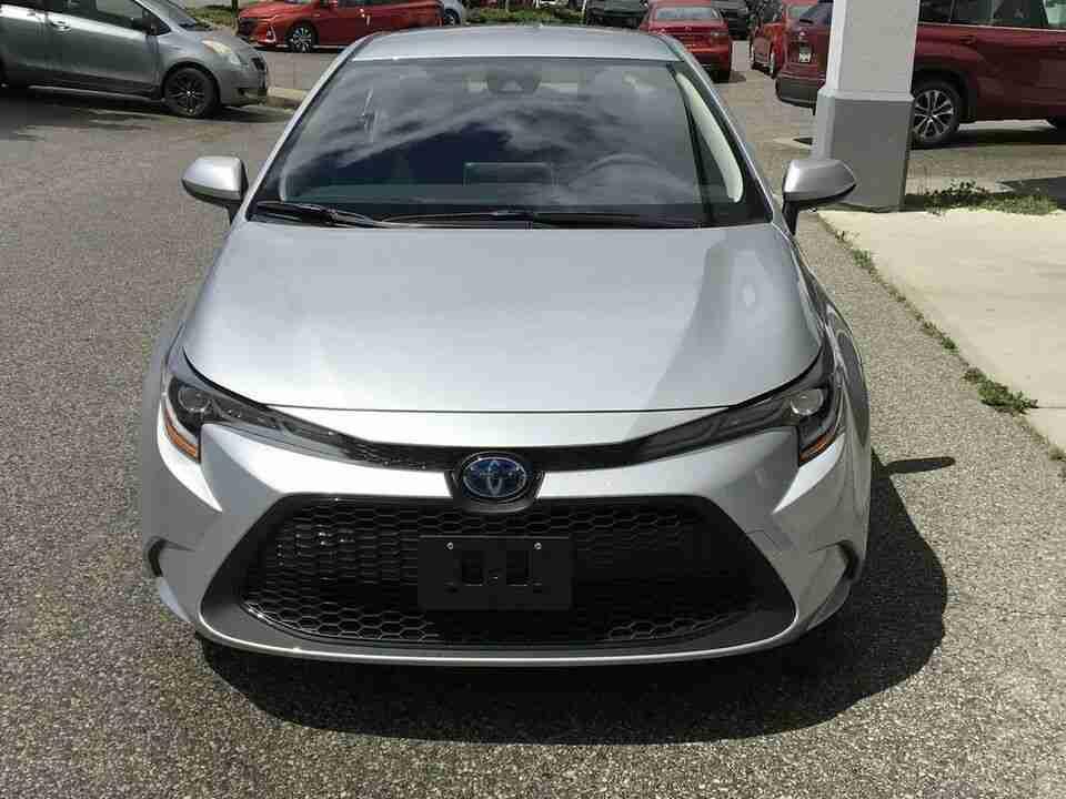 Toyota corolla hybrid front