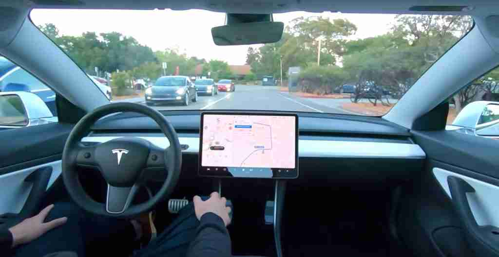 Read more about the article Tesla's Full Self-Driving Beta 'button' set to arrive tonight: Here's what to expect