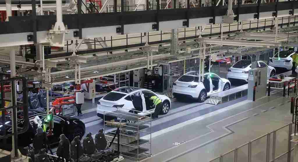 Read more about the article Tesla's Elon Musk confirms increased investment, R&D efforts in China